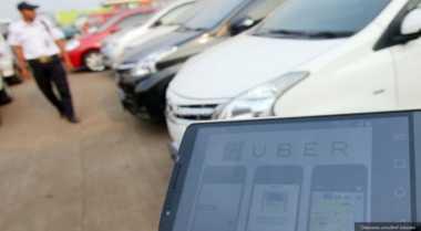 \KATA MEREKA: Taksi Online Boleh Berplat Hitam, Asal Uji KIR\