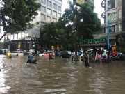 Jakarta Selatan Dikepung Banjir, Ketinggian Air Bervariasi