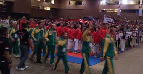 Tarian Betawi & Debus Semarakkan Upacara Pembukaan Kejuaraan Dunia SKIF