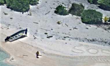 """Tanda """"SOS"""" Selamatkan Pasutri dari Pulau Terpencil"""