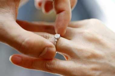 Viral, Pernikahan Remaja 18 Tahun dengan Wanita Beranak 5