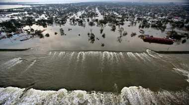 Sejarah Dunia: Badai Katrina Sapu Pantai Timur Amerika Serikat