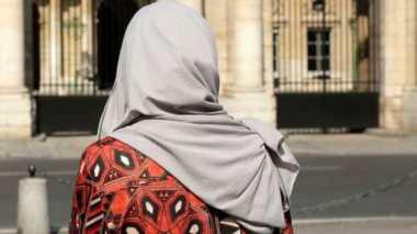 Sebuah Restoran Paris 'Tolak Layani Perempuan Muslim'