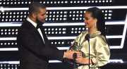 TOP GOSSIP #5: Drake Nyatakan Cinta Pada Rihanna di Panggung MTV VMA 2016