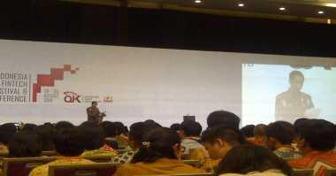 \Jokowi Akui Literasi Keuangan Indonesia Jauh Tertinggal dari Malaysia\
