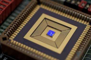 iPhone Segera Bawa Teknologi Layar Micro-LED