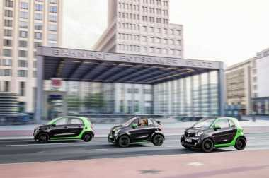 Smart ForTwo & ForFour Turut Ramaikan Pasar Mobil Listrik Mungil