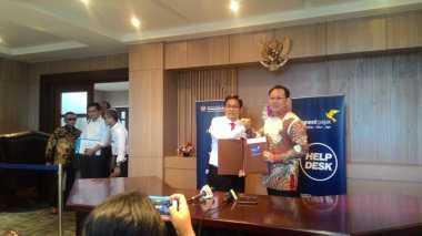 \Berkaca Mata Hitam, Dirjen Pajak Dampingi Bos Sriwijaya Air Ikut Tax Amnesty\