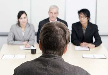 \4 Cara Menghadapi Wawancara Panel\