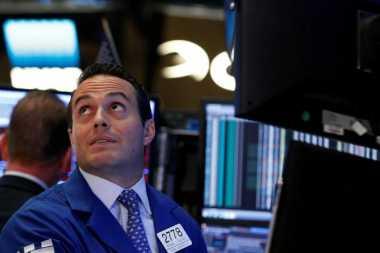 \Debat Capres Amerika Hambat Pergerakan Wall Street\