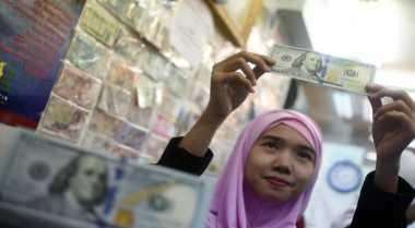 \Dolar Bervariasi Usai Debat Pertama Calon Presiden AS\