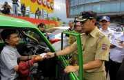 Terjaring Operasi, Belasan Angkot di Bogor Dikandangkan Petugas