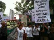 """""""Menggusur Bukit Duri Menggusur Nurani Warga Jakarta"""""""