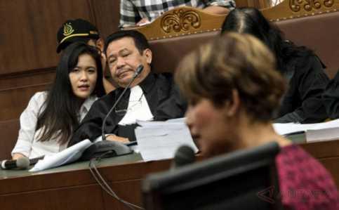 Jessica: Ayahnya Tak Menangis saat Mirna Meninggal