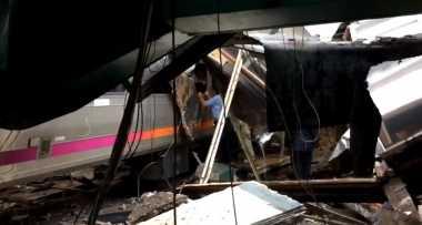 Video: Keadaan Pasca-Kecelakaan Kereta New Jersey