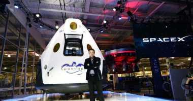 Elon Musk: Manusia Tidak Bisa Selamanya di Bumi