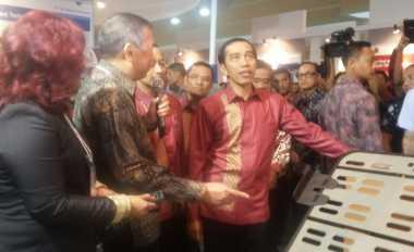\Jokowi Minta Petugas Tax Amnesty Diberikan Penghargaan\