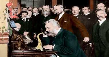 Evolusi Desain Ponsel Selama 80 Tahun Terakhir (1)