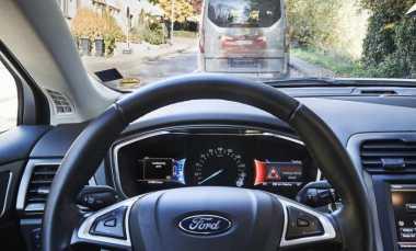 Jaguar Land Rover dan Ford Perkenalkan Teknologi Otonom