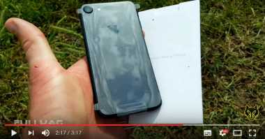 Video iPhone 7 Ditembak dengan Shotgun