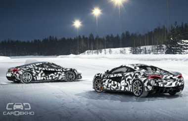 McLaren Tawarkan Pengalaman Mengendarai Supercar di Jalanan Es