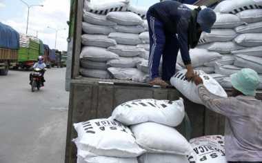 \Subsidi Pupuk Dipangkas, Komisi IV Tuntut Produksi Tetap 9,55 Juta Ton\