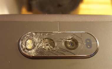 Pengguna Sebut Kaca Pelindung Kamera LG V20 Mudah Pecah