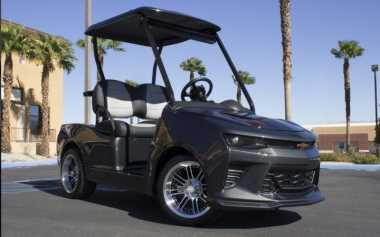 Mobil Golf Sangar Bergaya Chevrolet Camaro