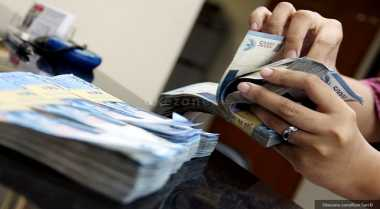 \Defisit Rp330,2 Triliun, Sri Mulyani Siap Reformasi Sektor Pajak\