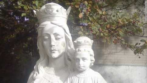 Kepala Yesus Bayi Telah Bersatu Kembali dengan Tubuhnya