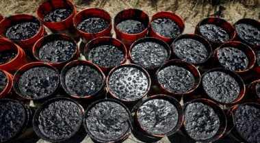 \Harga Minyak Turun Tertekan Keraguan Kesepakatan OPEC\