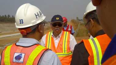 \   Menteri Basuki Berbagi Pengalaman Tinjau Kawasan Papua   \