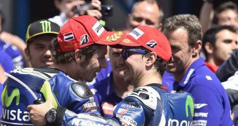 Valentino Rossi Lebih Berpeluang Finis di Posisi Dua MotoGP 2016 ketimbang Lorenzo