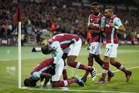Taklukkan Chelsea 2-1, West Ham Melaju ke Perempatfinal Piala Liga Inggris 2016-2017