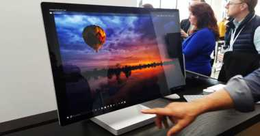 Microsoft Surface Studio Jadi Penantang Apple iMac