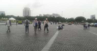 Pengelola Monas Takjub, Peserta Aksi 212 Bersihkan Sampah dalam Sejam