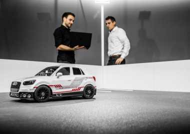 Mobil 'Mainan' Audi Q2 Bisa Parkir Sendiri