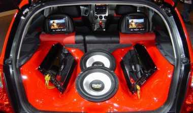 TOP AUTOS: Charge Aki Tidak Direkomendasikan & Cara Aman Pasang Audio Mobil