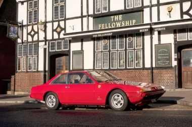 Ferrari 365 GT Kenangan Mantan Petinju Henry Cooper Dilelang