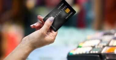 \Pemangkasan Bunga Kartu Kredit Dinilai Gerus Keuntungan Bank\