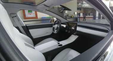 Bocor, Gambar Kabin Sederhana Mobil Listrik Tesla Model 3