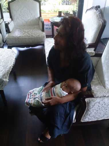 \TERPOPULER: Simak Gaya Menteri Susi saat Sedang Jadi Nenek   \