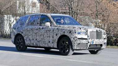 SUV Pesaing Bentley Bentayga dari Rolls-Royce Mulai Dijajal