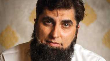 Pasca Pesawat Jatuh, Pakistan 'Ributkan' Warisan Ulama Junaid Jamshed