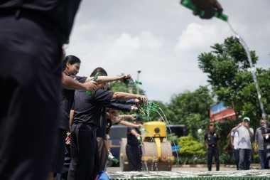 \Tahun 2016 Bea Cukai Jawa Timur I Makin Ketat Awasi Pelanggaran\