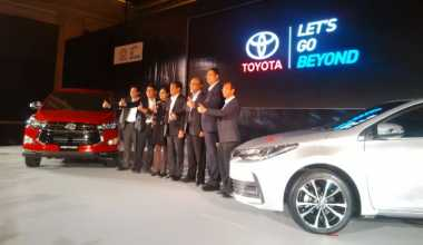 Buka 2017, Toyota Astra Luncurkan Innova Venturer & Corolla Altis Baru