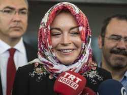 Tuliskan Alaikum Salam, Lindsay Lohan Masuk Islam?