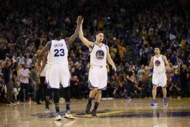 Golden State Warriors Permalukan Cleveland Cavaliers