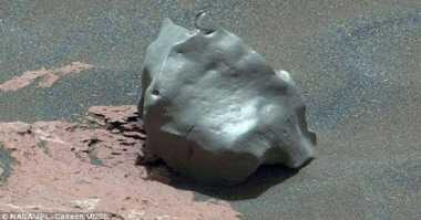 Menilik Asal Mula Meteorit Besi di Mars