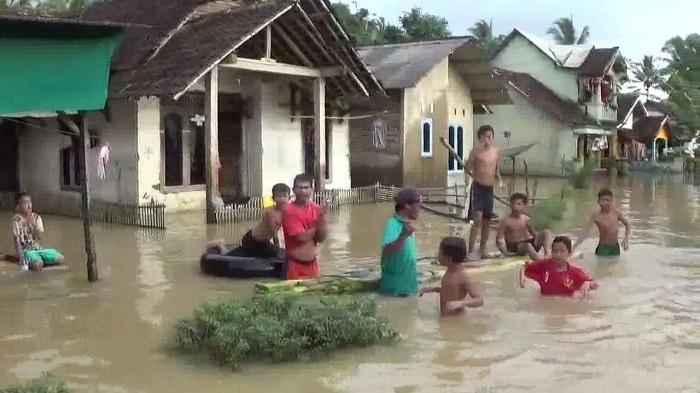 Banjir di Pandeglang, 1.236 Rumah Terendam & Aktivitas Warga Lumpuh Total